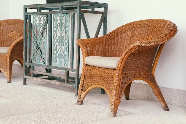 Cadeira de vime rattan marrom Foto Premium
