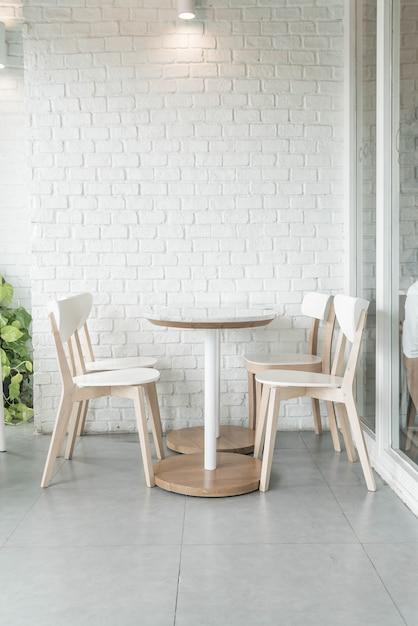 Cadeira vazia no restaurante Foto gratuita