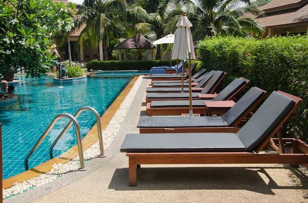 Cadeiras de piscina Foto Premium