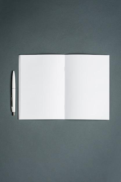 Caderno de negócios. espaço cinza. Foto gratuita