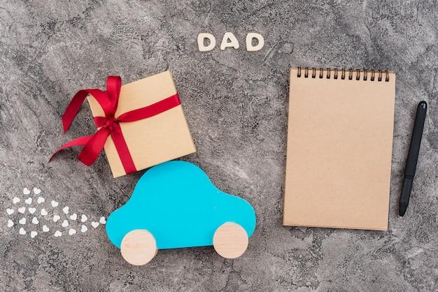 Caderno de quadro para o dia do pai Foto gratuita