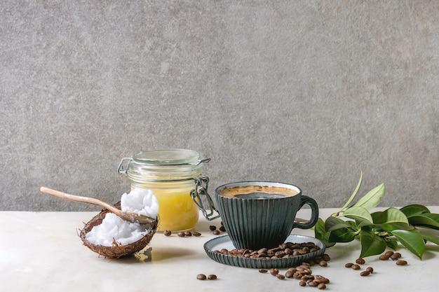 Café à prova de balas com manteiga Foto Premium
