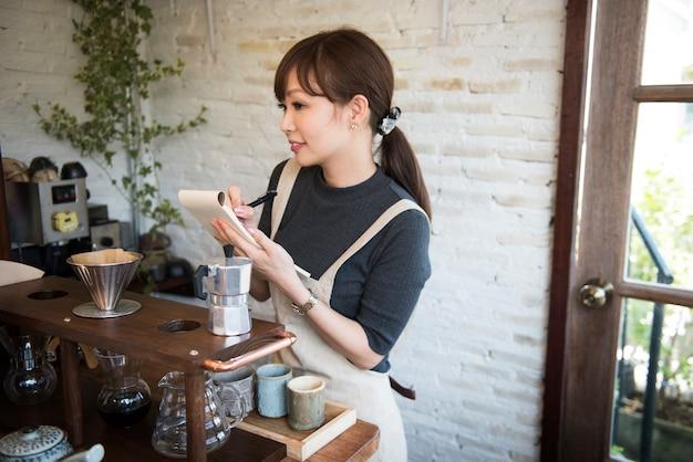 Cafe beverage cafeína serviço de relaxamento de beber Foto gratuita