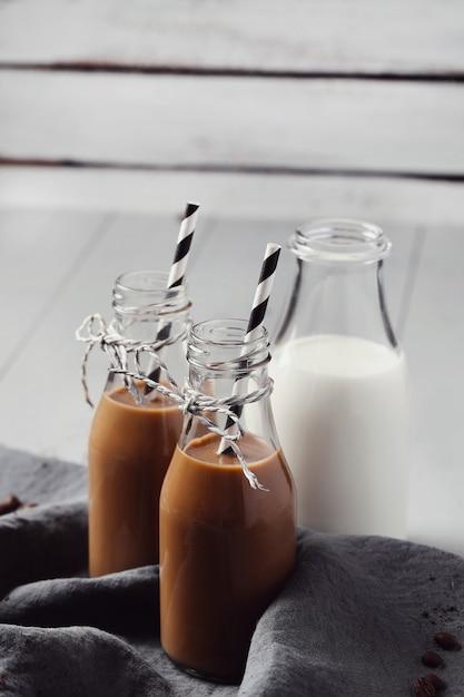 Café com leite gelado. conceito de café da manhã Foto gratuita