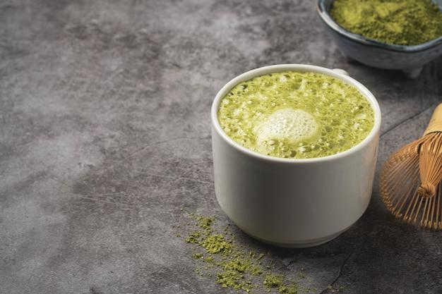 Café com leite matcha Foto Premium