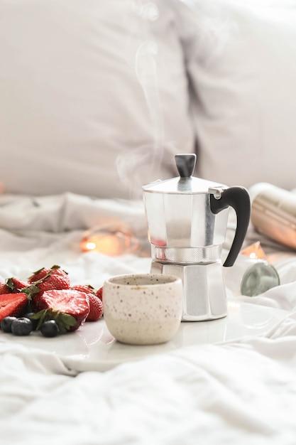 Café da manhã na cama Foto gratuita