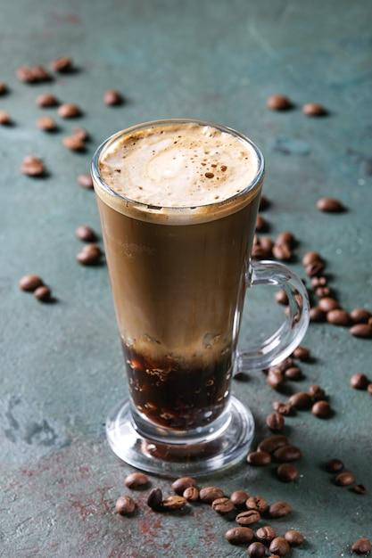 Café expresso com água com gás Foto Premium