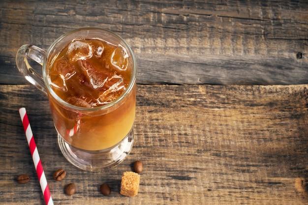 Café frio beber em vidro, copie o espaço Foto Premium