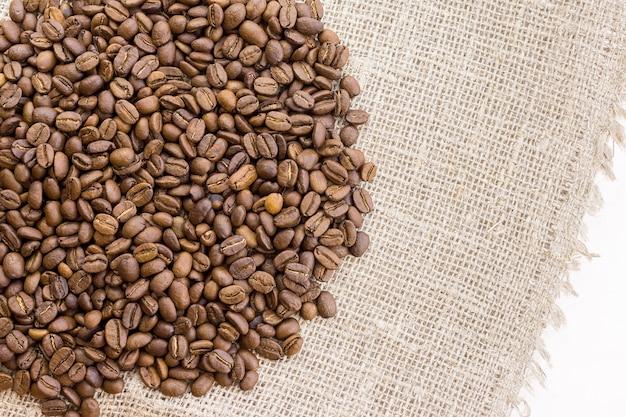 Café na serapilheira Foto Premium