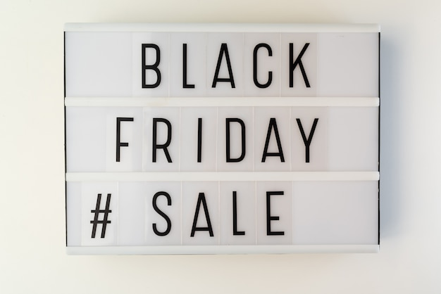 Caixa de luz com texto de venda sexta-feira preta Foto gratuita