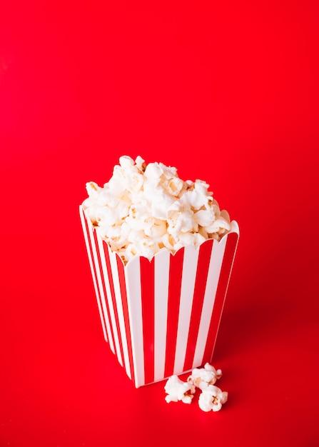 Caixa de pipoca de cinema Foto gratuita
