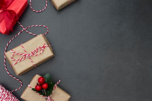Caixas de presente. fundo de natal com espaço de cópia. férias de inverno. Foto Premium