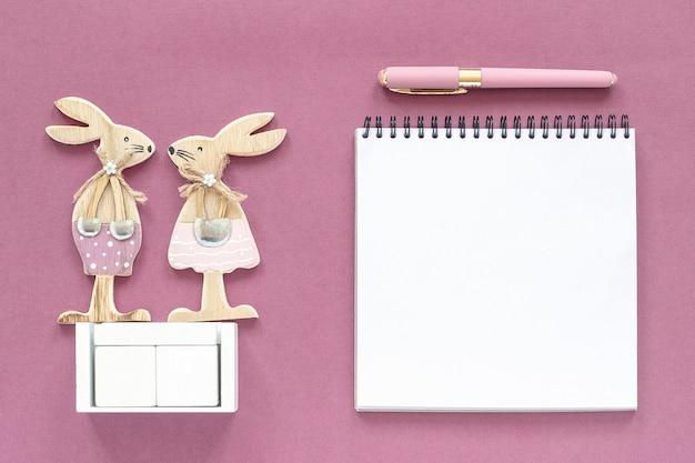 Calendário de cubos de madeira em branco vazio mock-se tamplate para sua data do calendário. Foto Premium