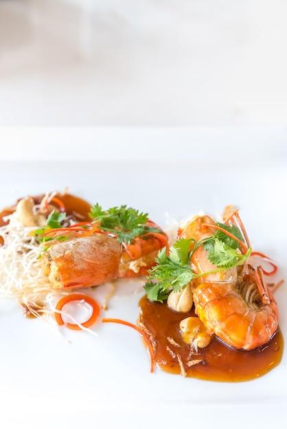 Camarão com molho de tamarindo Foto Premium