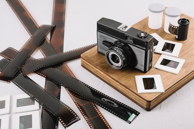 Câmera a bordo com negativos Foto gratuita