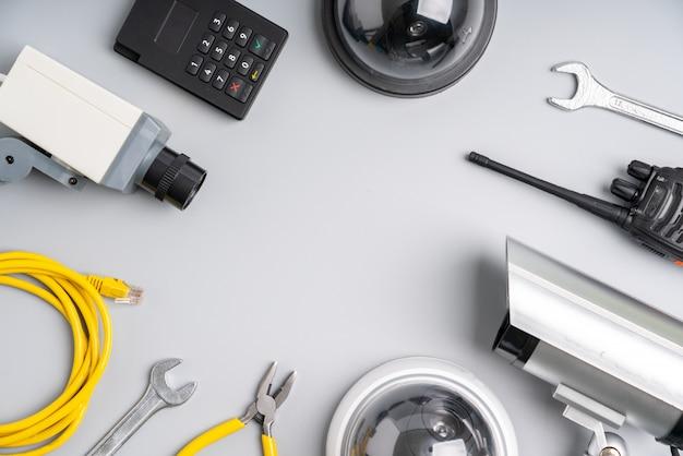 Câmera on-line de segurança cctv com planta da casa Foto Premium