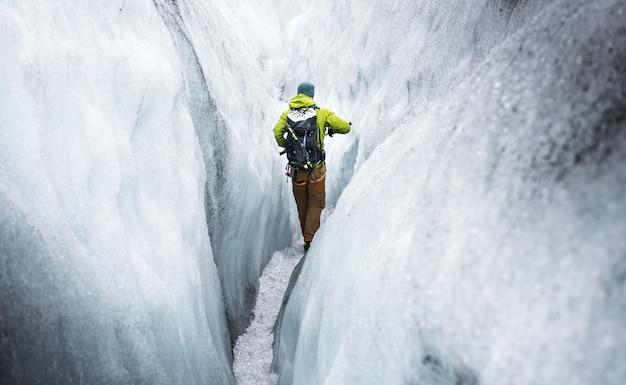 Caminhada em uma geleira Foto Premium
