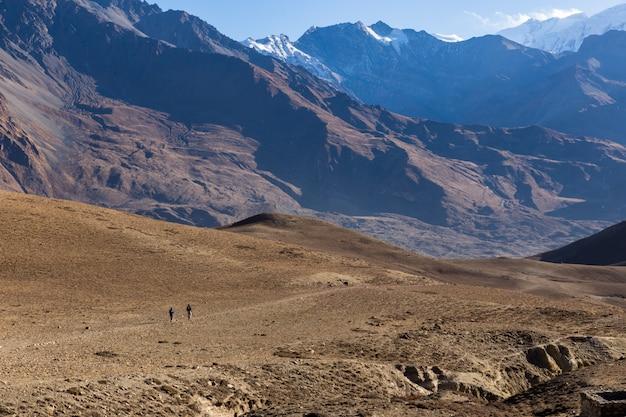 Caminhadas nas montanhas do himalaia. menor mustang, nepal Foto Premium