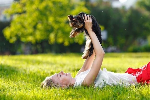 Cão e seu dono Foto Premium