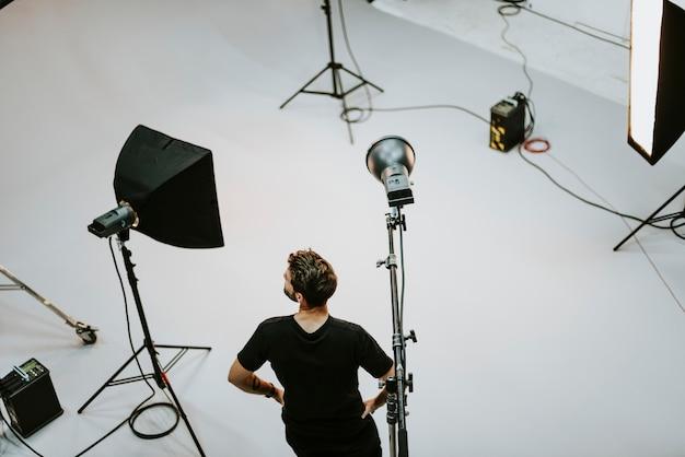 Cara de equipe de produção em um tiro Foto Premium