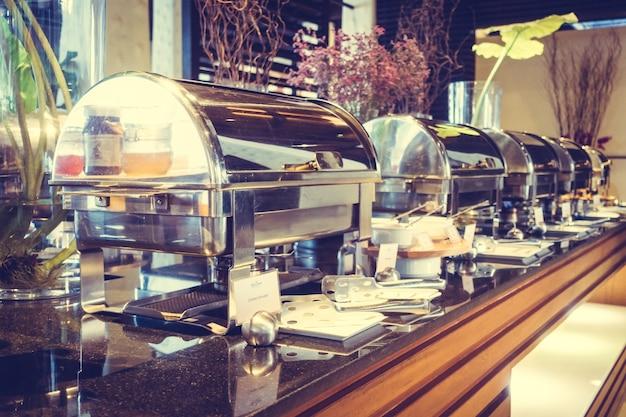 Carne de placa mesa de banquete do hotel Foto gratuita