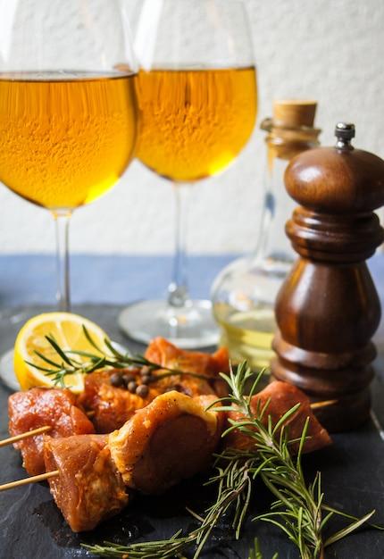 Carne e vinho Foto Premium