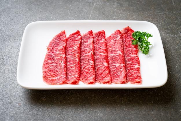 Carne fresca em fatias Foto Premium