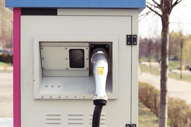 Carregador de rua para carros elétricos Foto Premium