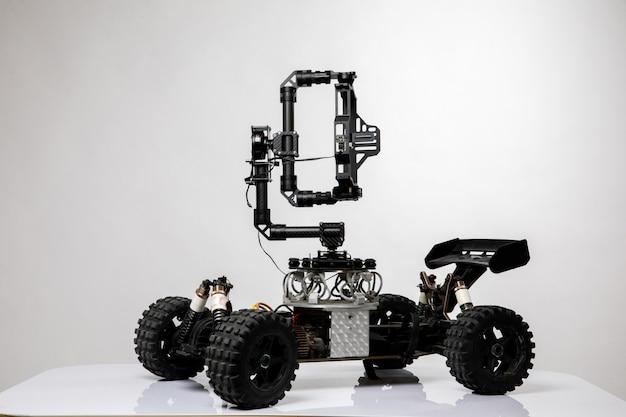 Carro de estilo robô com joystick Foto gratuita