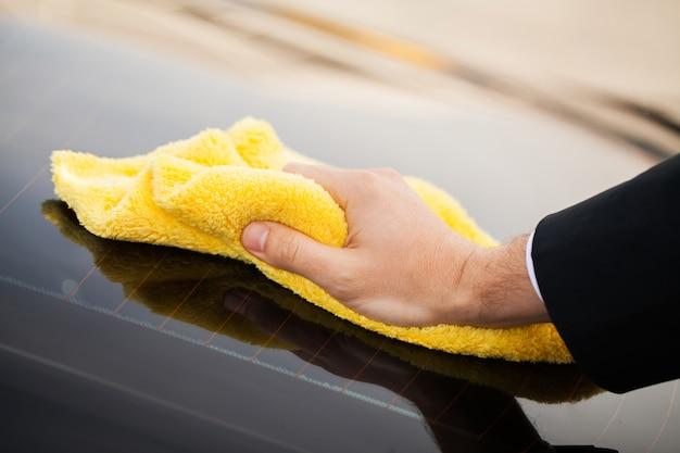 Carro de limpeza. microfibra para limpeza e polimento do carro Foto Premium