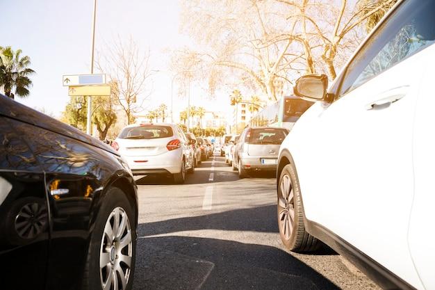 Carros, ligado, rodovia, em, engarrafamento Foto gratuita