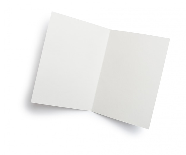 Carta aberta de white papers em branco isolada Foto Premium
