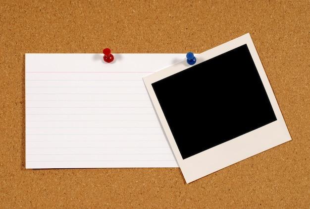 Cartão de índice com polaroid foto Foto gratuita