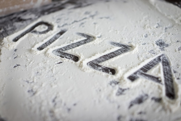 Cartas de massa prontas para pizza Foto Premium