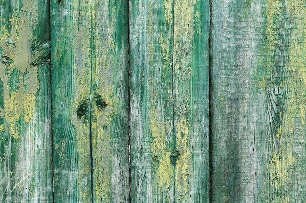 Cartazes de madeira pintados verticais velhos Foto gratuita