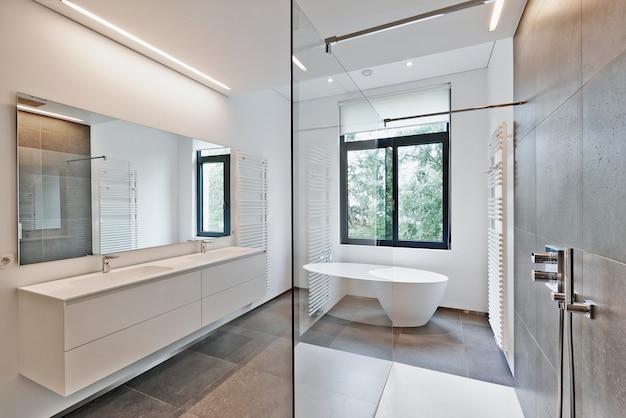 Casa de banho moderna de luxo Foto Premium