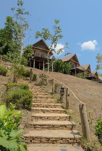 Casa de estância na montanha na tailândia Foto Premium