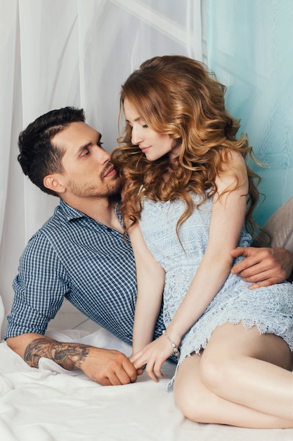 Casal apaixonado tender e sentimentos românticos Foto Premium