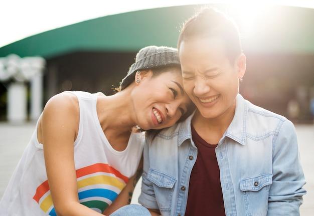 Casal de lésbicas asiáticas lgbt Foto Premium