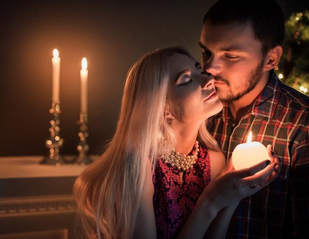 Casal jovem bonito homem e mulher Foto Premium