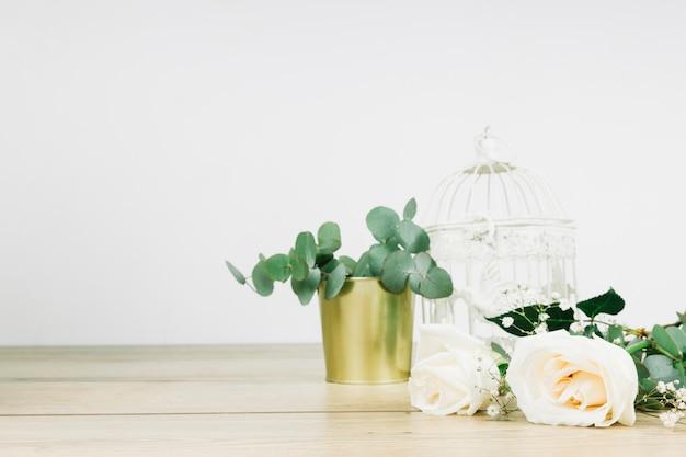Casamento rosas brancas Foto gratuita