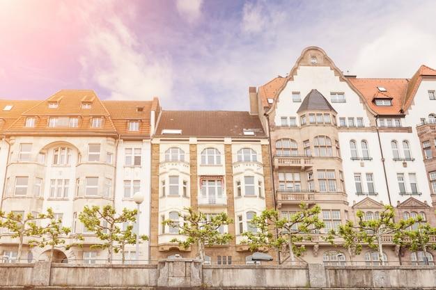 Casas em dusseldorf altstadt, o centro da cidade old town Foto Premium
