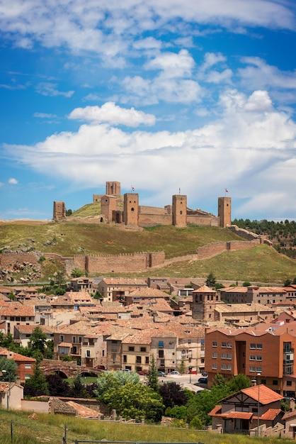 Castelo de molina de aragon, guadalajara, espanha. Foto Premium