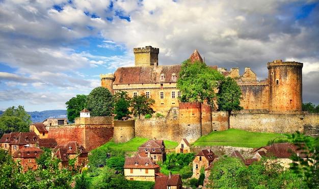 Castelo medieval, dordonha, frança Foto Premium