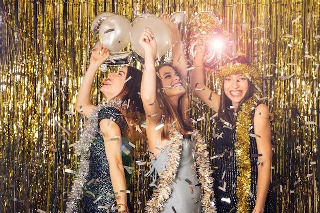 Celebração brilhante do ano novo Foto gratuita