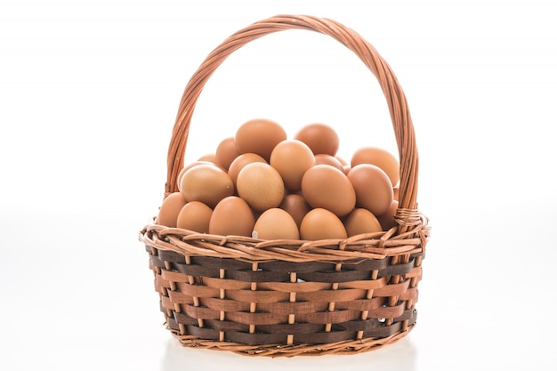 Cesta de ovos Foto gratuita