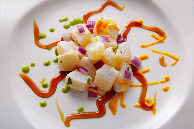 Ceviche receita moderna gastronomia estilo Foto Premium