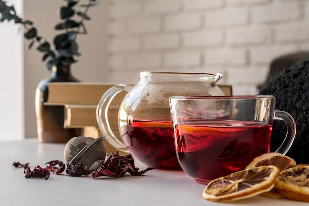 Chá cítrico na xícara Foto Premium