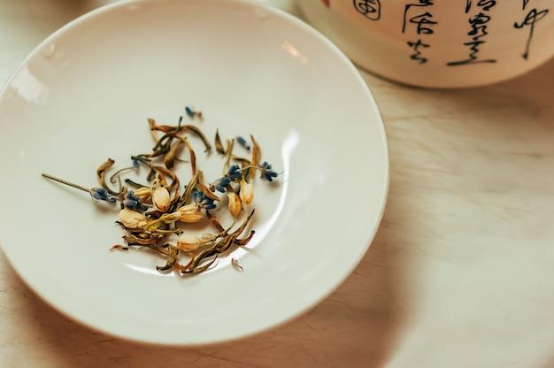 Chá de lavanda e jasmim Foto Premium