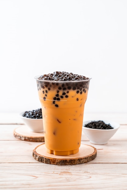 Chá de leite tailandês com bolhas Foto Premium